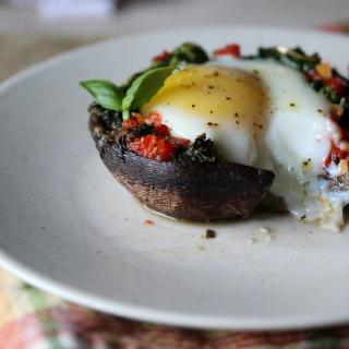 Tuscan Portobello Baked Eggs
