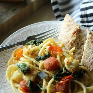 Roasted Cauliflower and Tomato Pasta