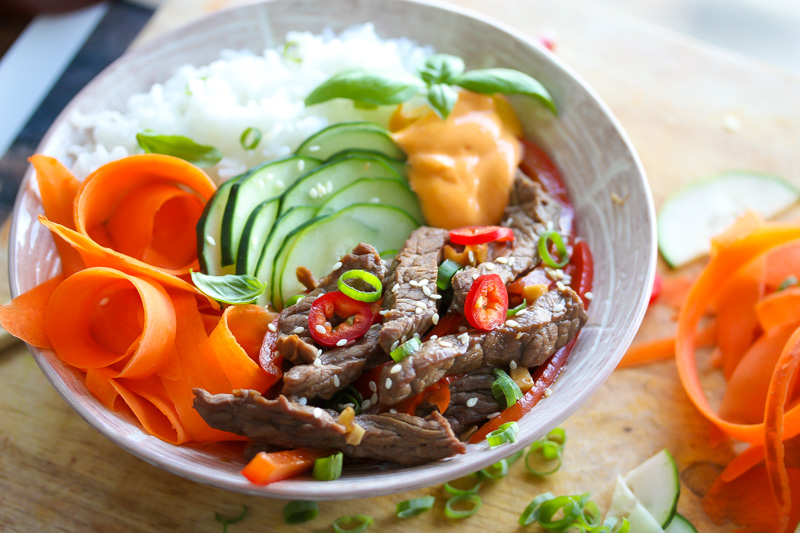 Korean Beef Bowls with Chili Aioli | dishingouthealth.com