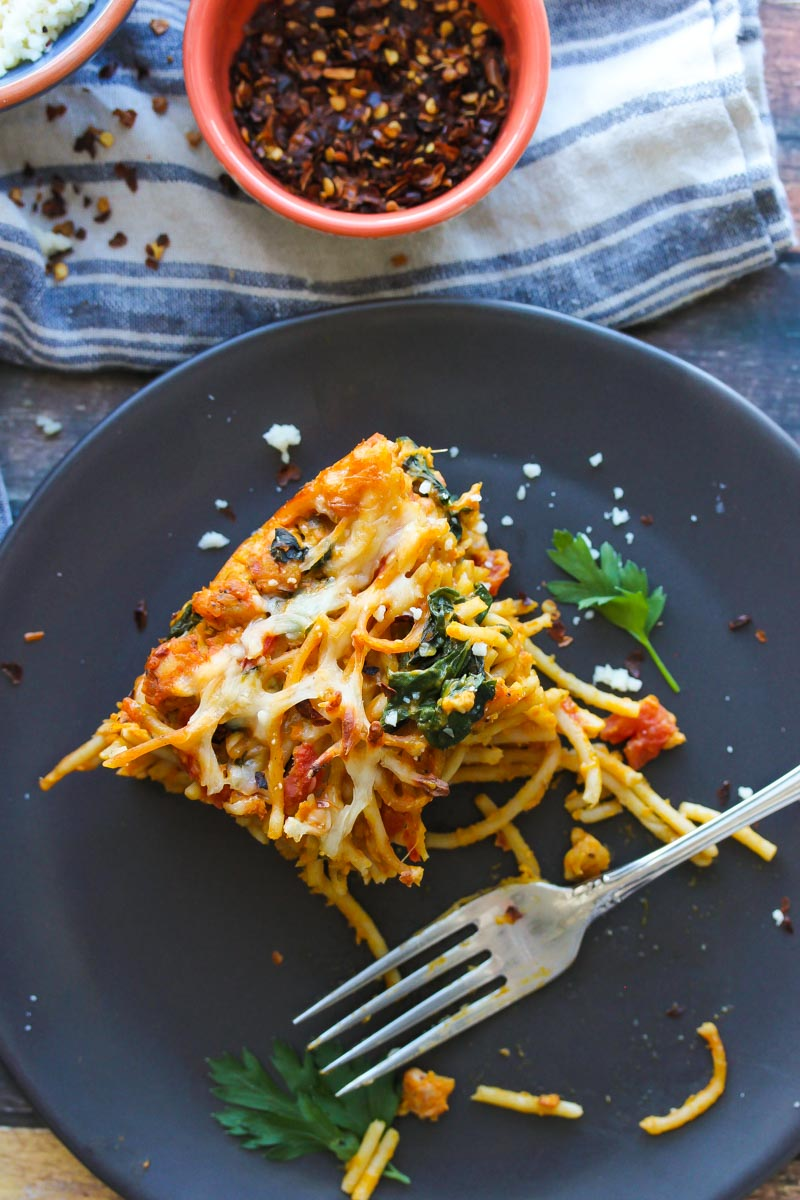 Pumpkin Kale Turkey Sausage Spaghetti Pie | dishingouthealth.com