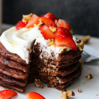 Flourless Blender Chocolate Pancakes (gluten free) | dishingouthealth.com