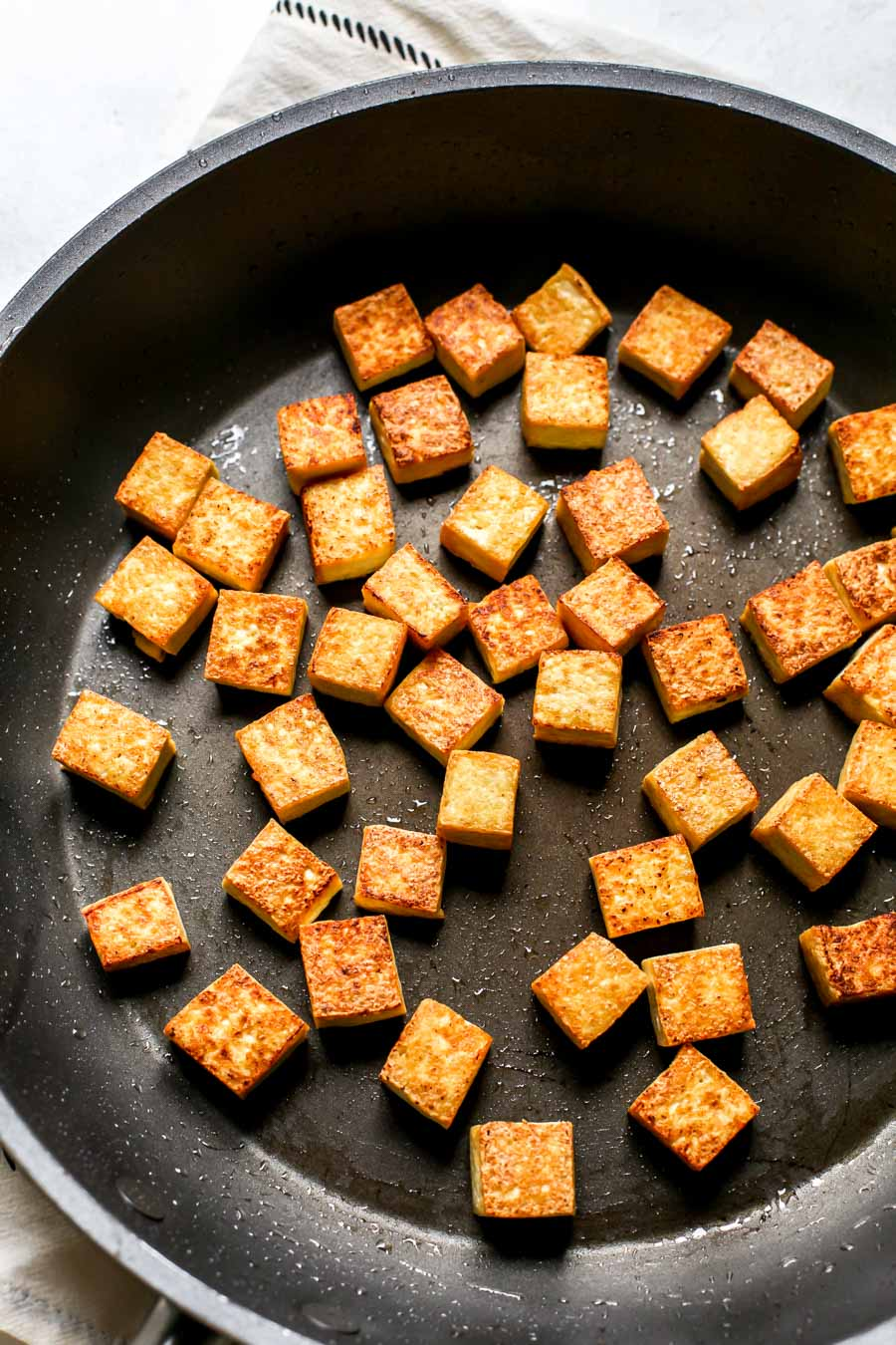 How to Cook Crispy Tofu in a Skillet