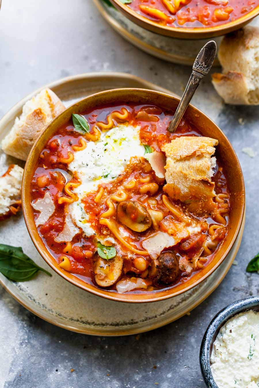 One Pot Lasagna Soup with Basil-Ricotta and Bread