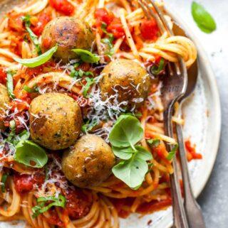"Vegetarian Meatless ""Meatballs"" with Spaghetti"