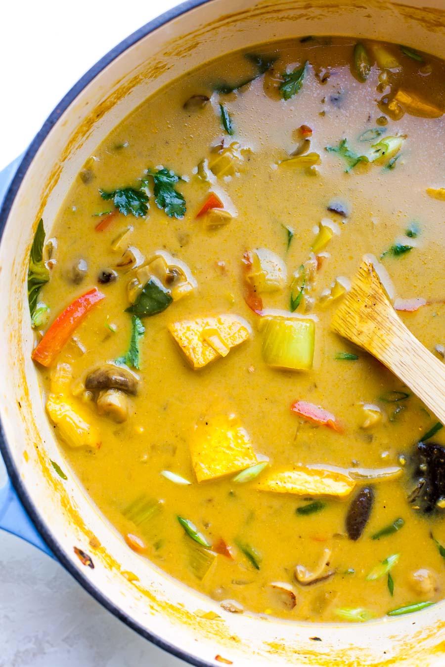 Vegetarian Thai Soup with Lemongrass