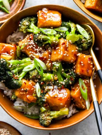 General Tsos Tofu with Broccoli and Rice